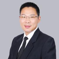 胡修超律師