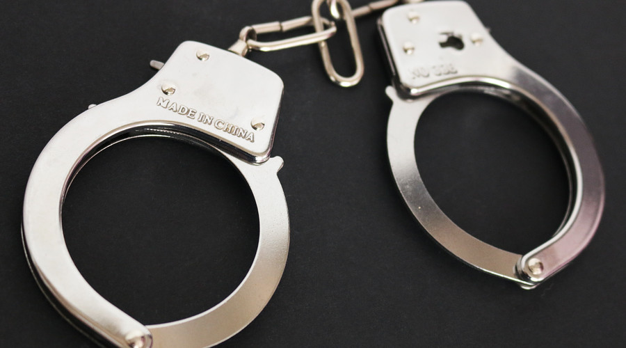 綁架罪與搶劫罪的區別