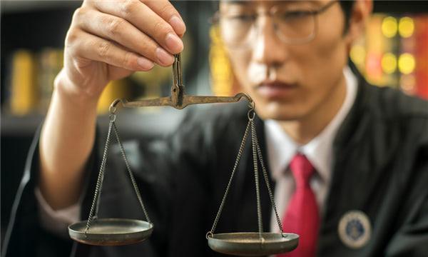 行政訴訟代理人規定
