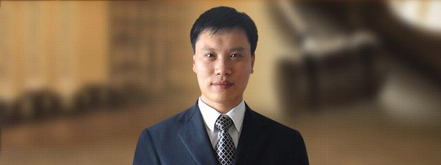 青岛律师-郑小松